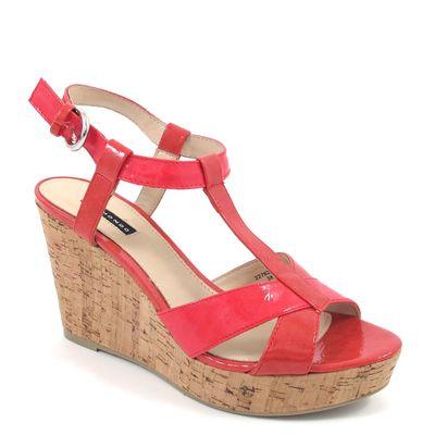BELMONDO / Lack-Sandalette Rot - Keilabsatz aus Kork